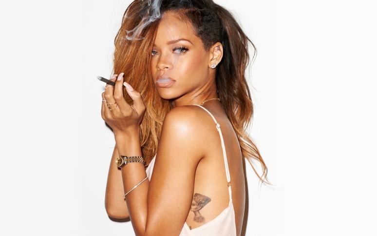 Rihanna for rolling stones rihanna 33526757 1440 900